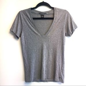ARITZIA Tna Classic Fit V-Neck Short Sleeve T Grey